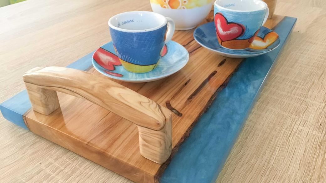 Vassoio in legno e resina